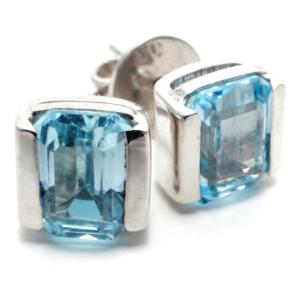 Blue topaz Oblong Silver Stud earrings. Birthstone for December.